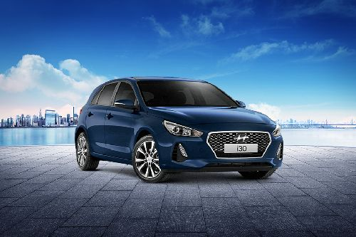 i30 Front angle low view